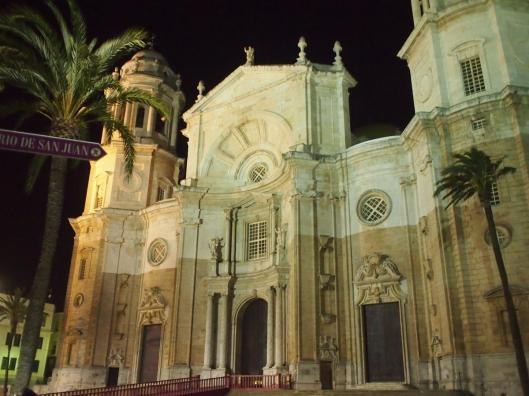 The cathedral of Cadiz, set alongside one of many small plazas.