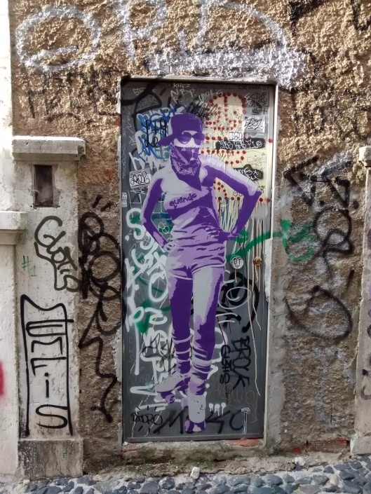 Street graffito in Mouraria neighborhood.